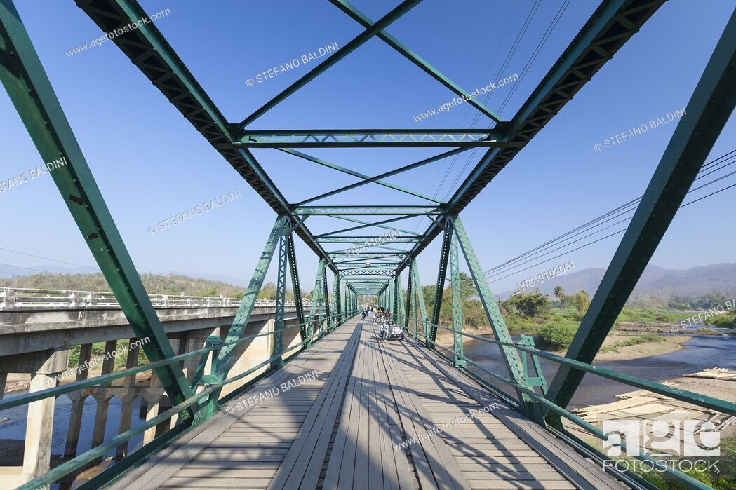 Imagen: The world war two memorial bridge near Pai in Thailand.