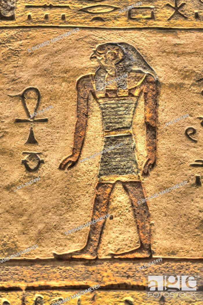 Imagen: Relief of God Horus, Tomb of Ramses III, KV #11, Valley of the Kings, UNESCO World Heritage Site, Luxor, Egypt.