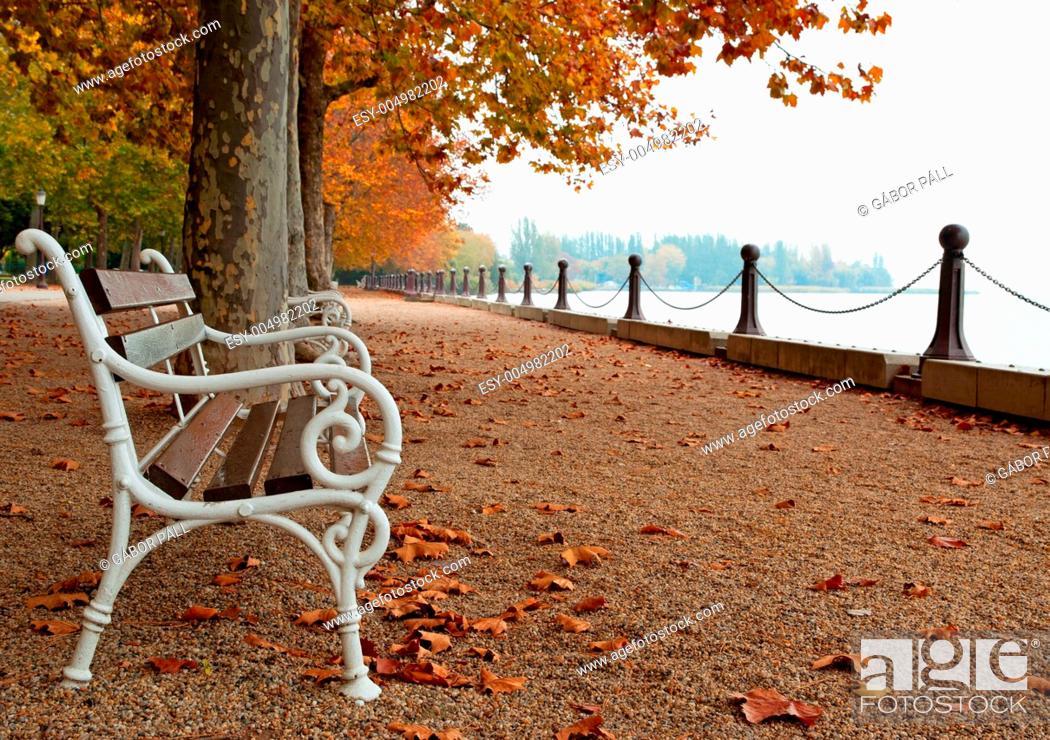 Stock Photo: Promenade at Lake Balaton in autumn, Hungary Balatonfüred.