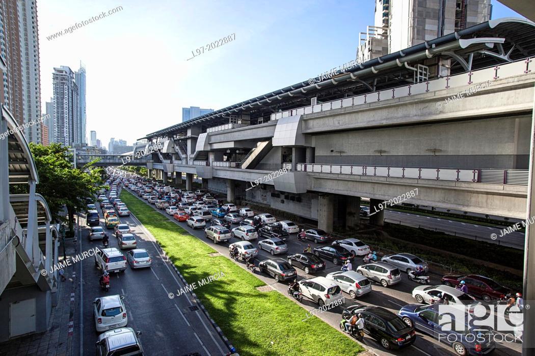 Stock Photo: Morning traffic jam, below Thon Buri BTS train station, Bangkok Thailand.