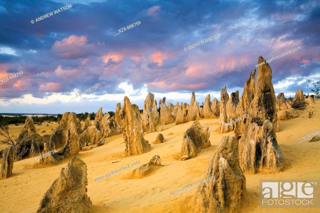 Stock Photo: Sunset in the Pinnacles Desert of Nambung National Park  Cervantes, Western Australia, Australia.