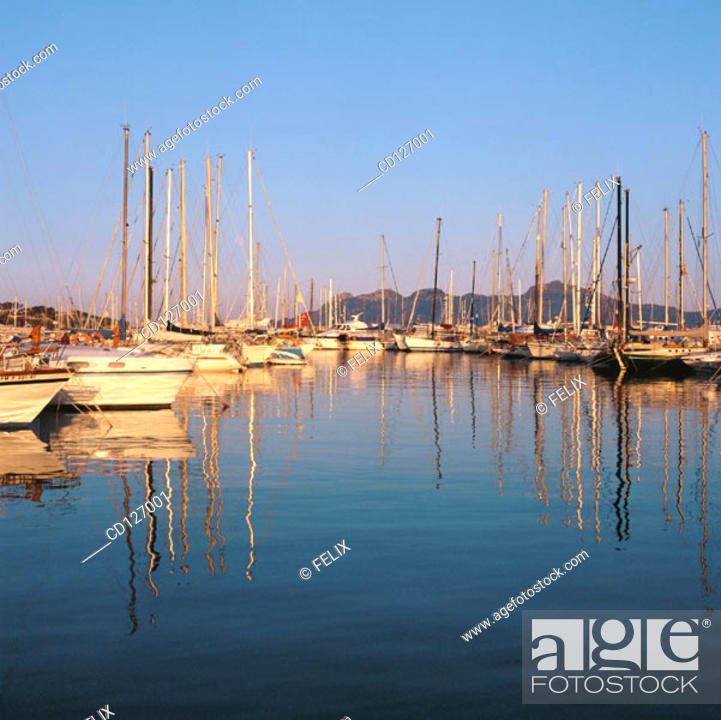 Stock Photo: Port of Pollensa. Majorca. Balearic Islands. Spain.