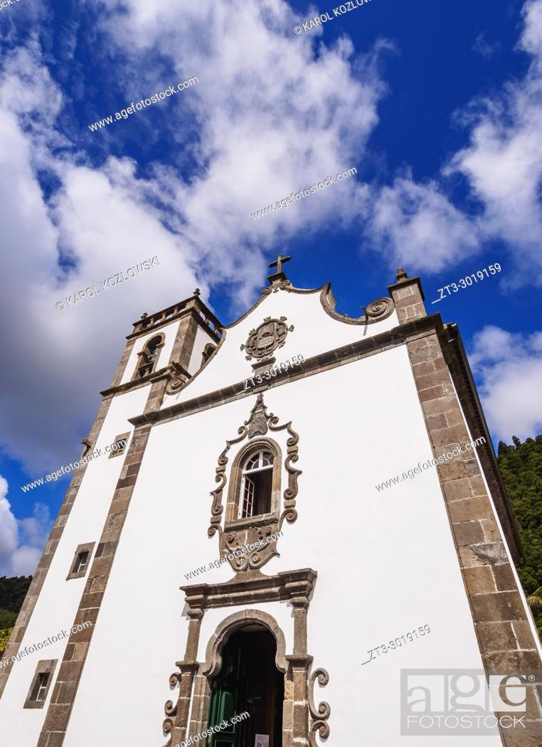 Imagen: Church of Santa Ana, Furnas, Sao Miguel Island, Azores, Portugal.