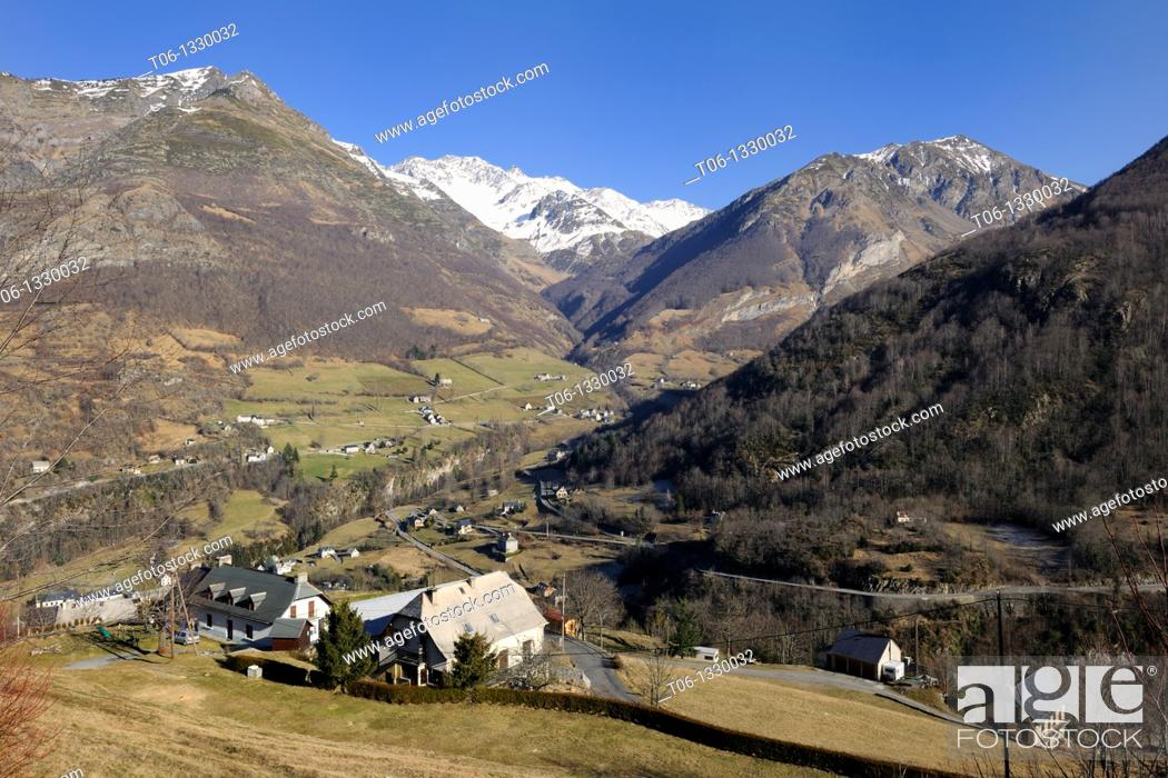 Stock Photo: Aerial view of Gèdre village, Gave de Gavarnie valley and Soum de Diozède, Estragna, Bugarret peaks. Pyrenees mountain, Haute-Pyrénées, Gascogne, France.