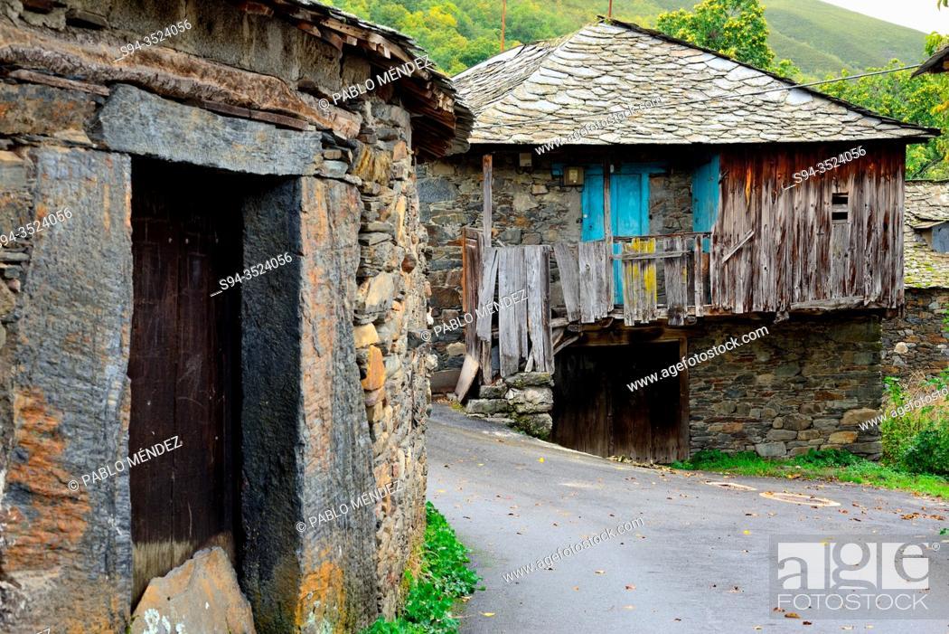 Imagen: Rustic houses, Pereda de Ancares, Leon, Spain.