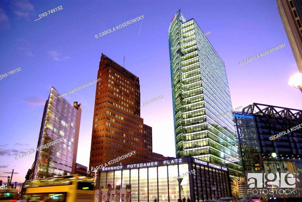 Photo de stock: D, Germany, Europe, Berlin, Capitol, Potsdamer Platz, Potsdam Place, Main station, Building, Buildings, night, nighttime, Sunset, Offices, Architecture.