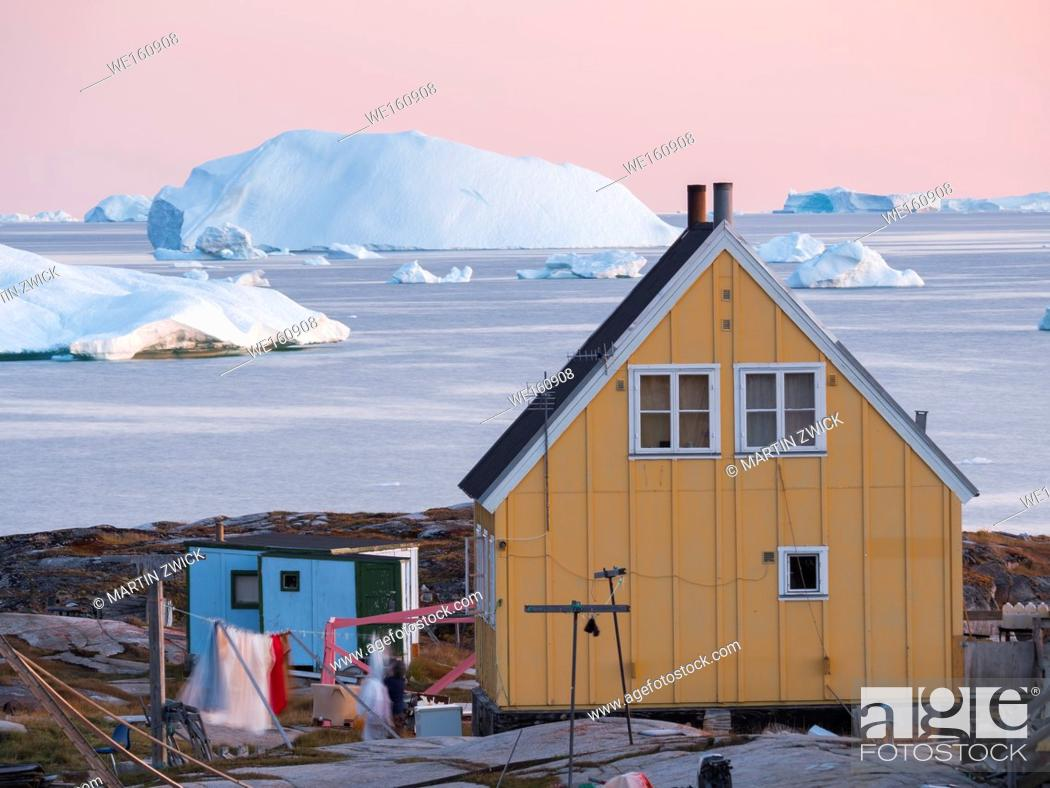 Stock Photo: The Inuit village Oqaatsut (once called Rodebay) located in the Disko Bay. America, North America, Greenland, Denmark.