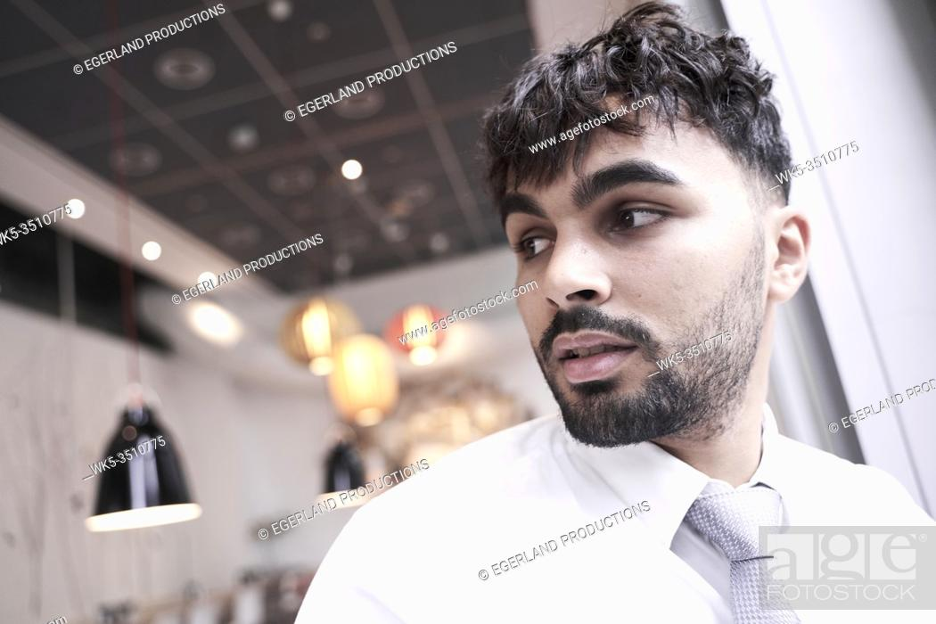 Photo de stock: Businessman in cafe.