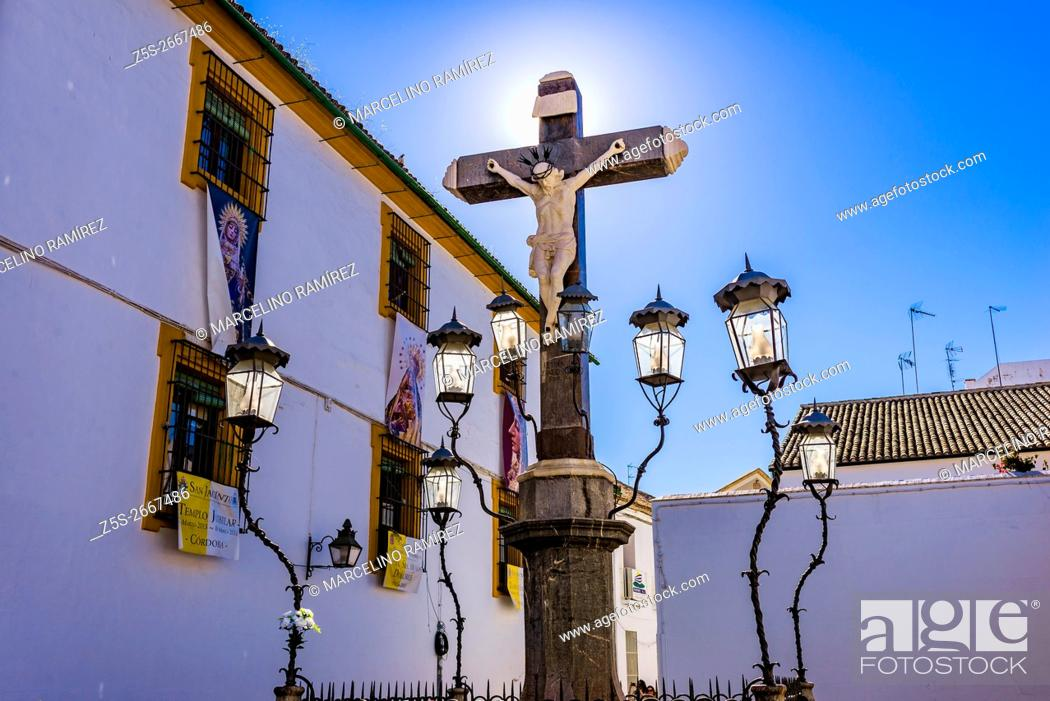 Imagen: The Christ of the Grievance and Mercy, popularly known as the Christ of the Lanterns, Cristo de los Faroles, was made by the sculptor Juan Navarro León in 1794.