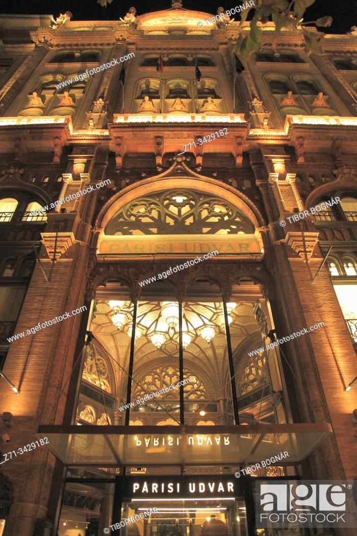 Stock Photo: Hungary, Budapest, Párisi Udvar, Paris Courtyard.
