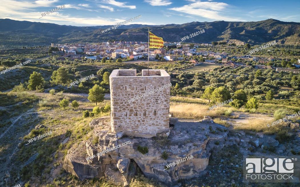 Stock Photo: Medieval watchtower. Riba-roja d'Ebre, Tarragona, Catalonia.