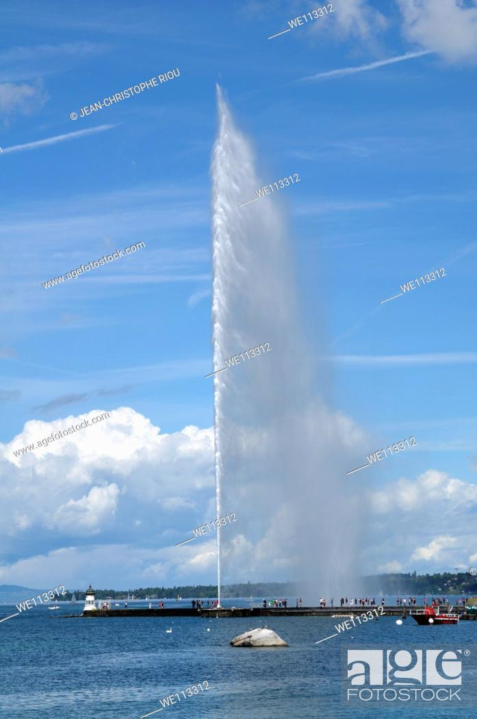 Stock Photo: Jet d'Eau fountain, Geneva, Switzerland.