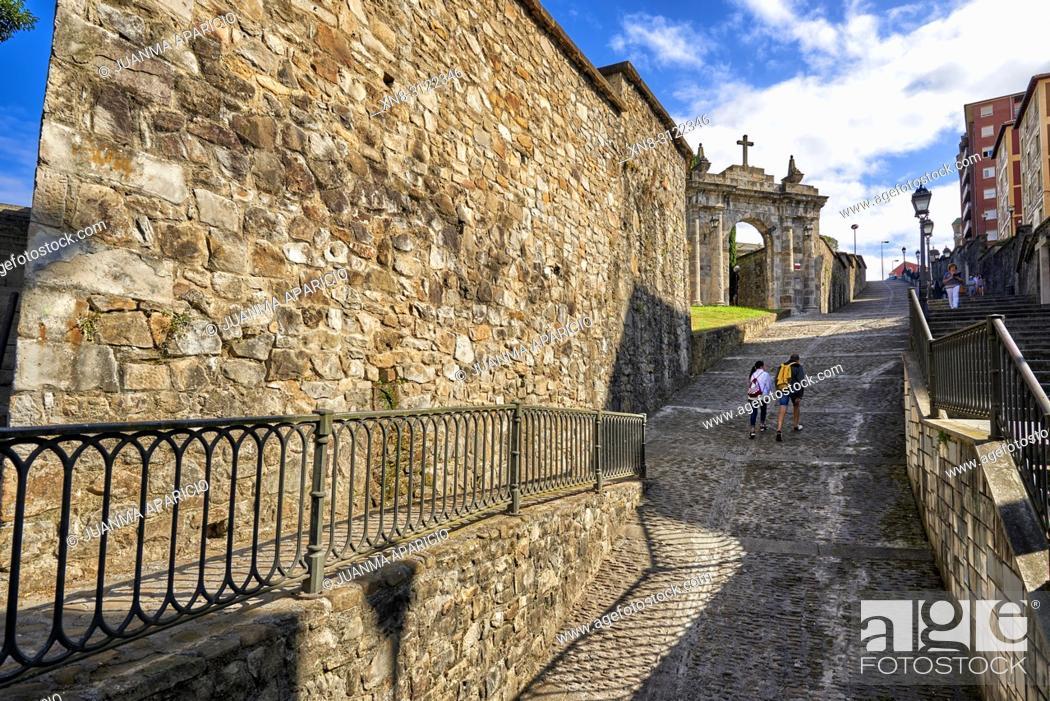 Imagen: Calzadas de Mallona (Mallona pavement), Bilbao, Biscay, Basque Country, Euskadi, Euskal Herria, Spain, Europe.