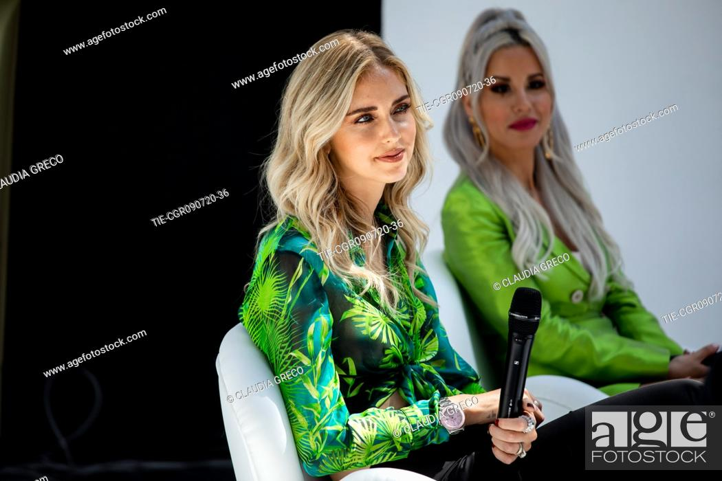 Imagen: Italian influencer Chiara Ferragni and Italian rapper Baby K testimonials of the new spot Pantene Estate during the Pantene digital event in Milan.