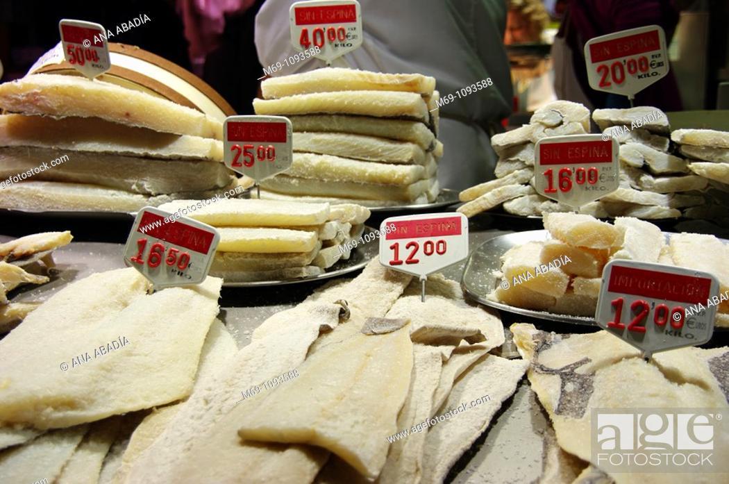 Stock Photo: Venta de bacalao salado en el Mercado de Sant Josep, La Boqueria, Barcelona.
