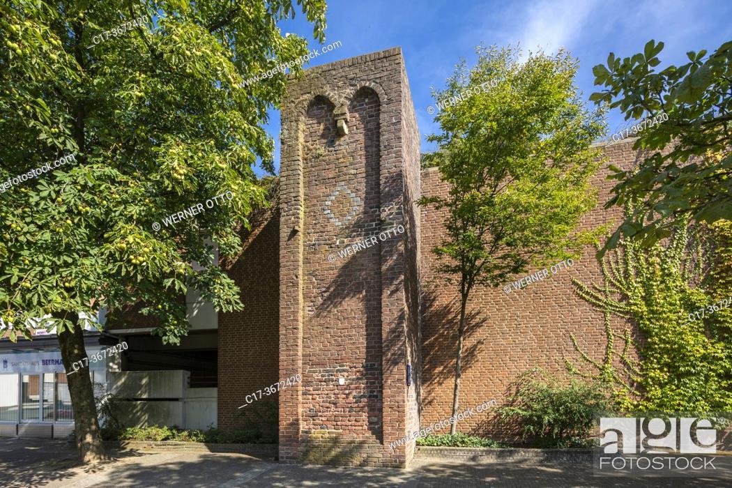 Imagen: Borken, D-Borken, Hohe Mark Westmuensterland Nature Park, Muensterland, Westphalia, North Rhine-Westphalia, NRW, Baer Tower, defence tower, brick building.