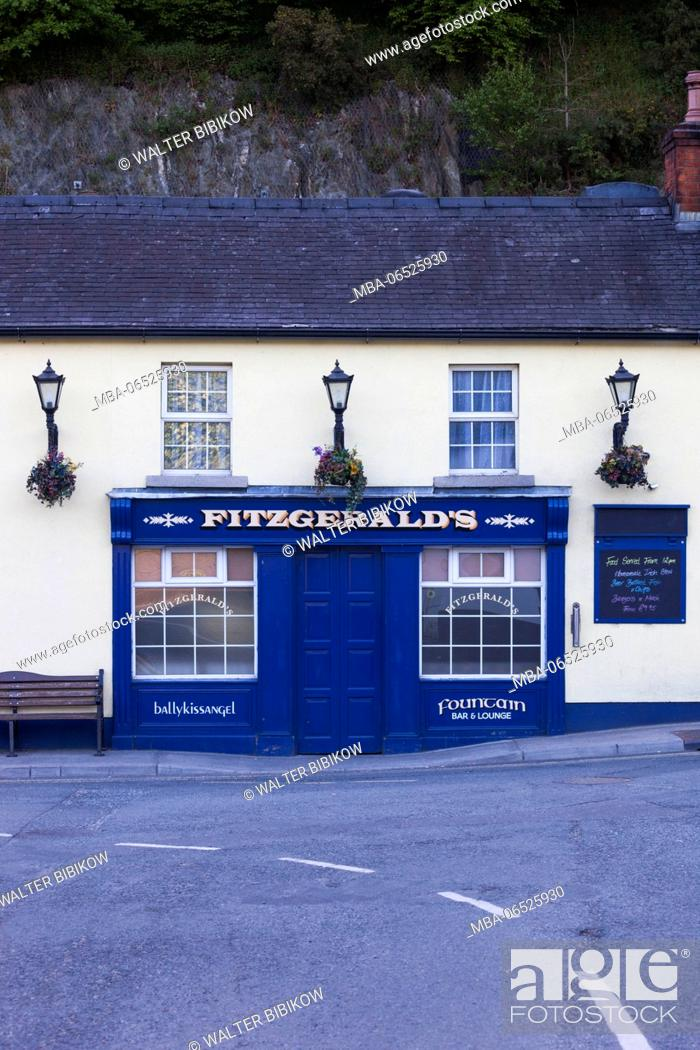 Stock Photo: Ireland, County Wicklow, Avoca, Fitzgerald's Pub, played leading role in TV series, Ballykissangel.