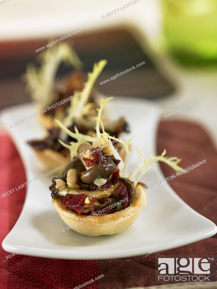 Stock Photo: tartaleta de setas con jamon iberico / mushroom tartare with iberian ham.