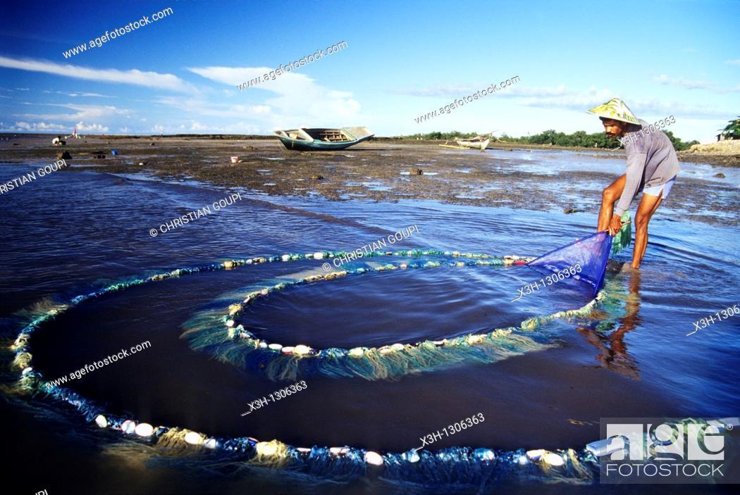 Stock Photo: net fishing of alvines, Sumba island, Lesser Sunda Islands, Republic of Indonesia, Southeast Asia and Oceania.