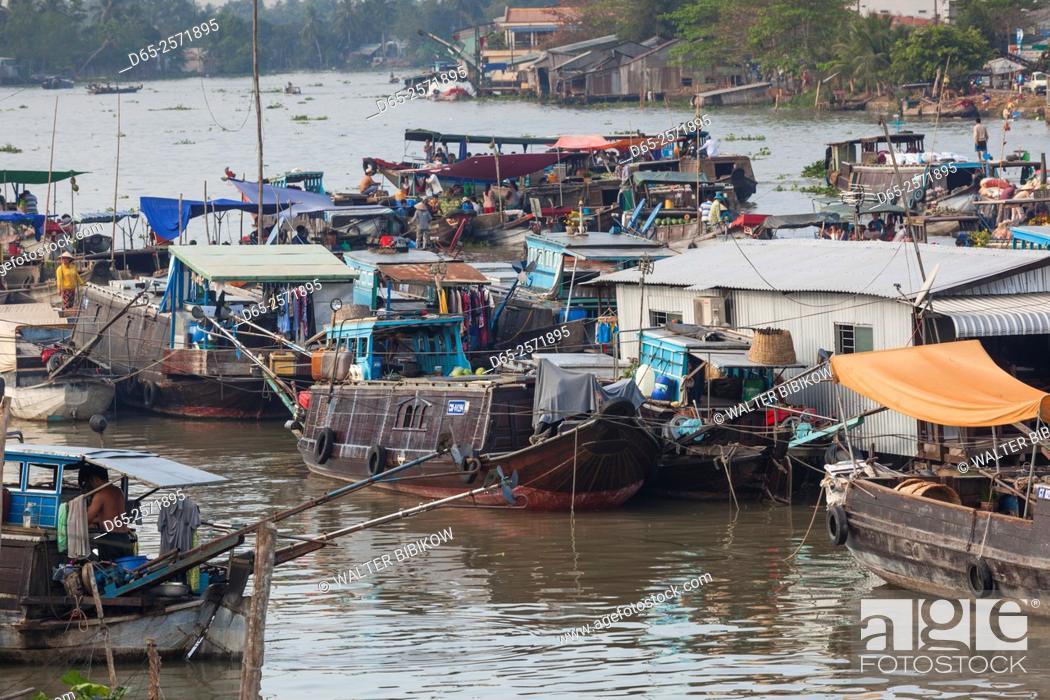 Stock Photo: Vietnam, Mekong Delta, Cai Rang, Cai Rang Floating Market.