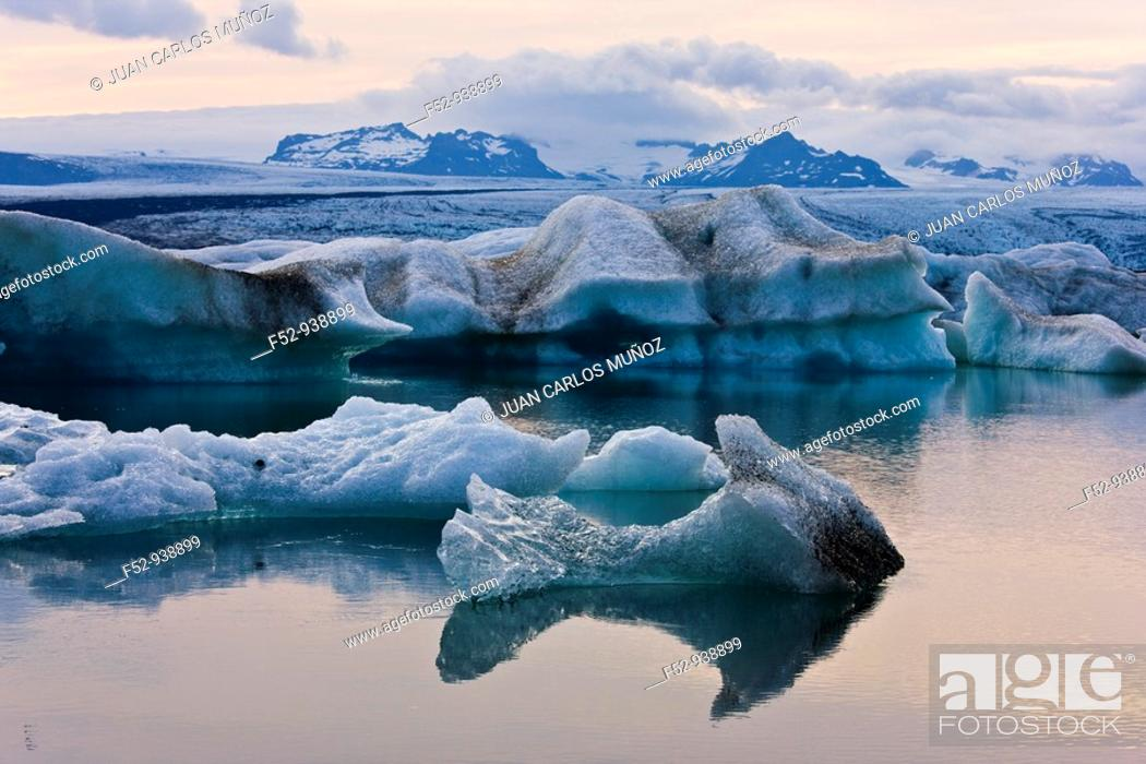 Stock Photo: Jökulsárlón Lagoon, Vatnajökull Glacier. Iceland.