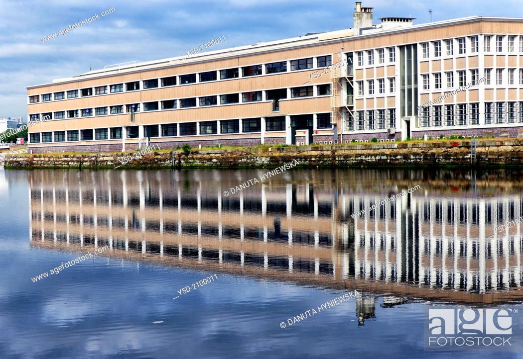 building of Hapag-Lloyd - global liner shipping company