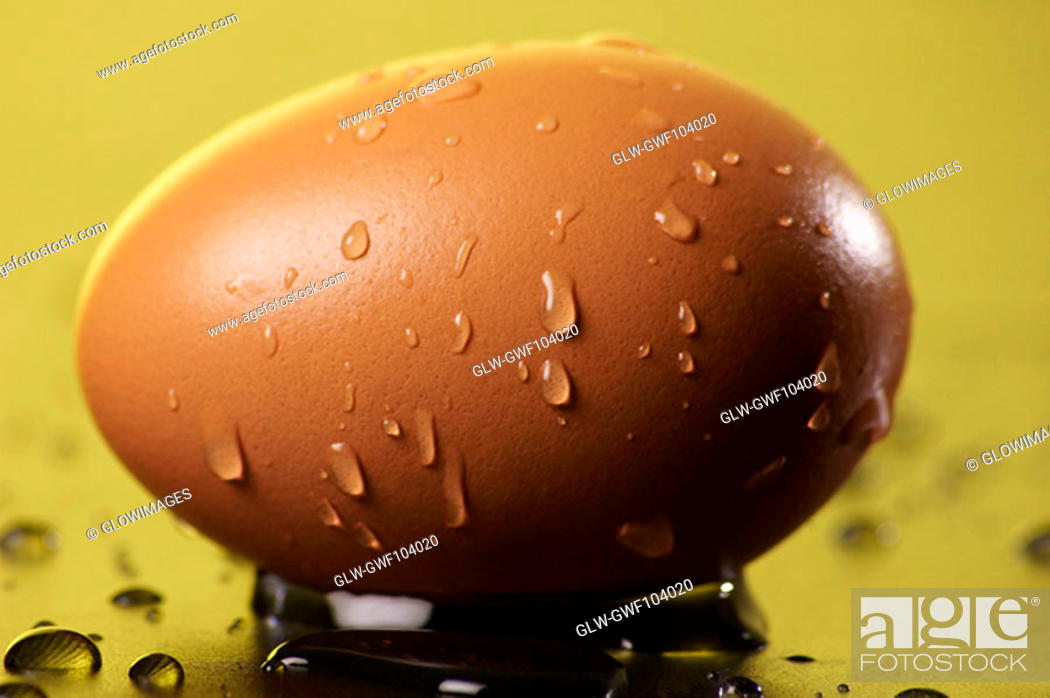 Stock Photo: Close-up of water droplets on an egg.