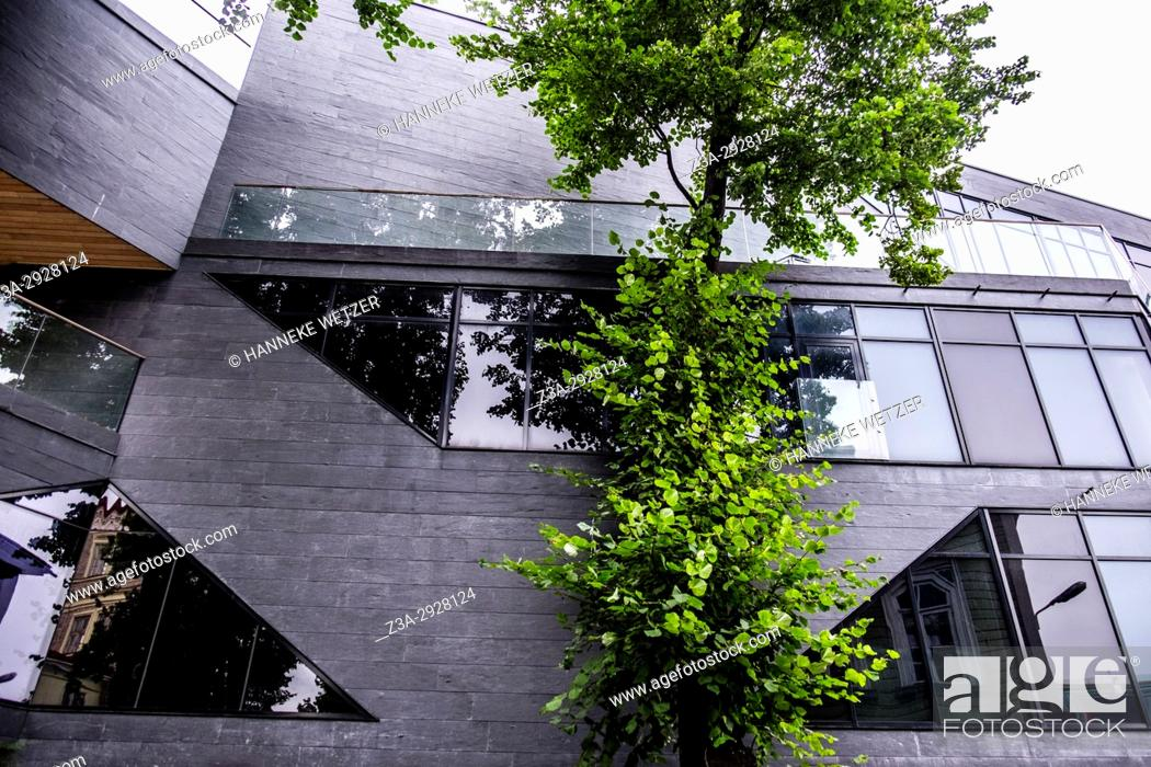 Imagen: Modern architecture in Tallinn, Estonia.
