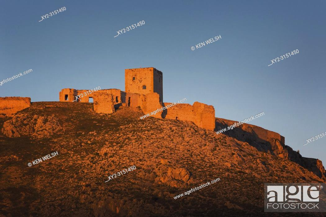 Photo de stock: Teba, Malaga, Andalusia, Spain; Castillo De La Estrella (Castle Of The Star), Scene Of The Battle Of Teba, August 25, 1330.