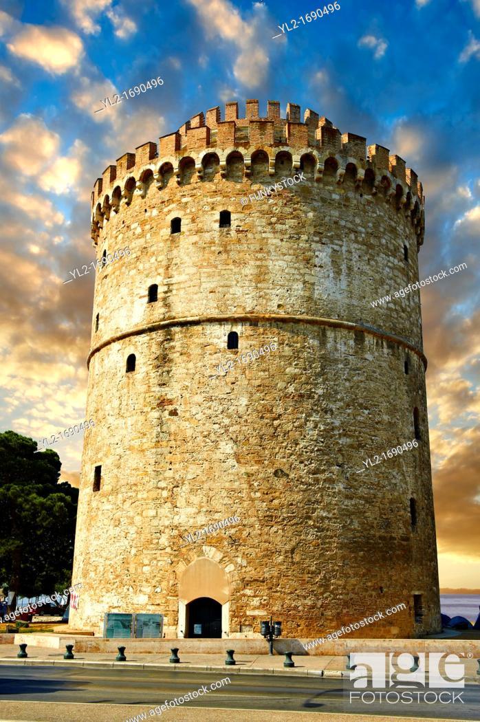 Stock Photo: The Ottoman White Tower of Thessaloniki 1535–1536, symbol of Thealonika  Greece.