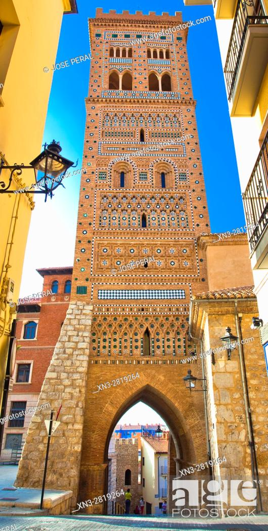 Imagen: St. Martin's Tower, Torre Mudejar de San Martín, Teruel, Aragon, Spain.
