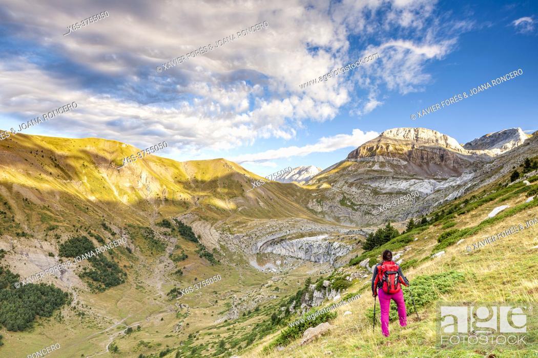 Stock Photo: Gorge of Iguer and LLanos de Napazal, Aisa Valley in La Jacetania, Huesca, Spain.