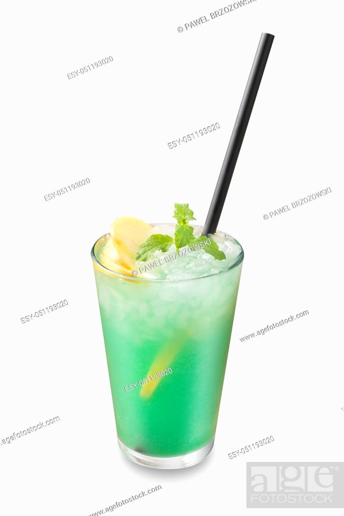 Imagen: Green drink isolated on white background. For fast food restaurant design or fast food menu.