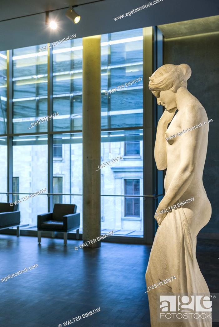 Imagen: Canada, Quebec, Montreal, Musee des Beaux Arts, fine arts museum, classical sculpture.