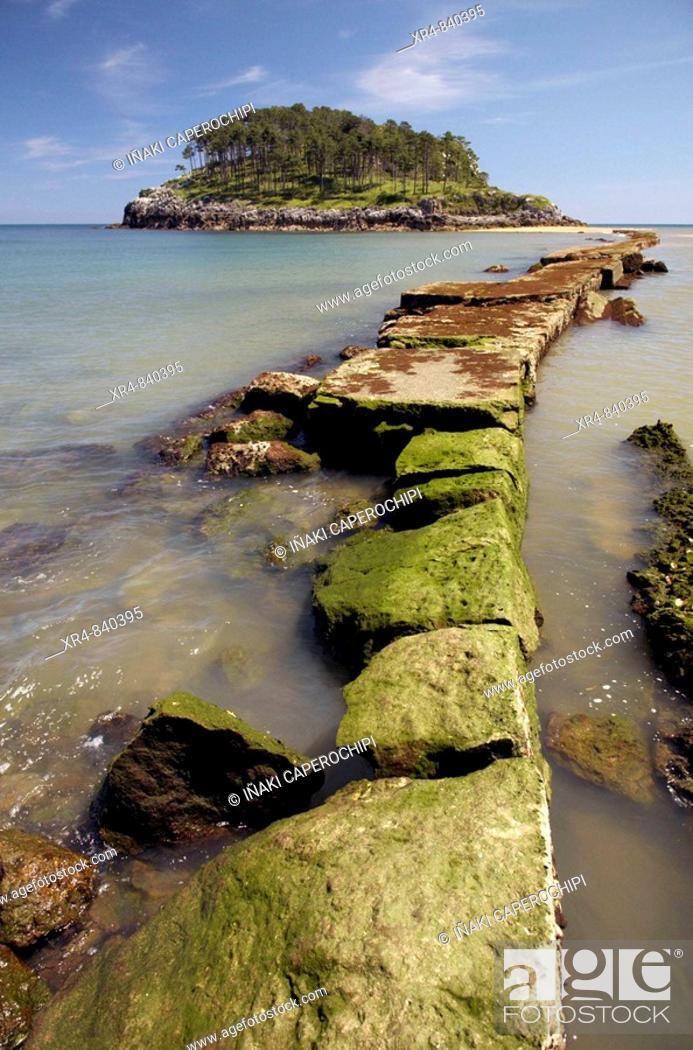 Stock Photo: San Nicolas (Garraitz) island, Lekeitio, Vizcaya (Bizkaia), Basque Country, Spain.