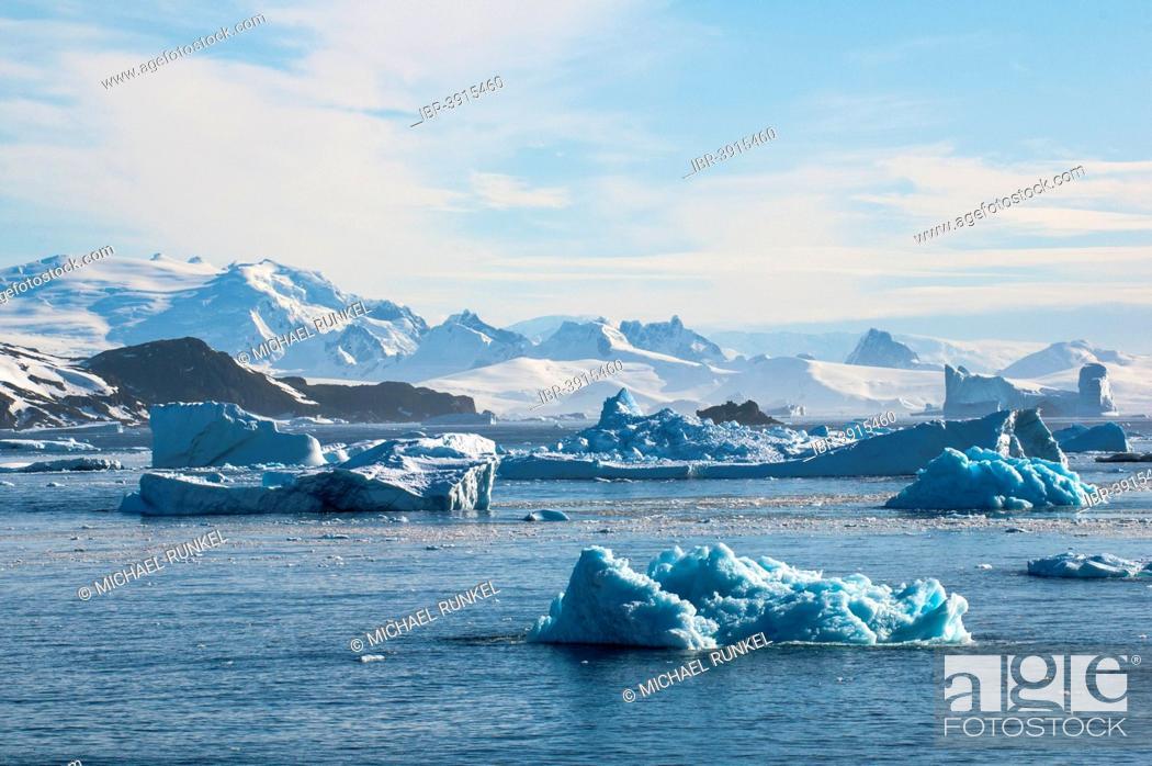 Imagen: Glacier and icebergs, Cierva Cove, Chavdar Peninsula, Antarctica.