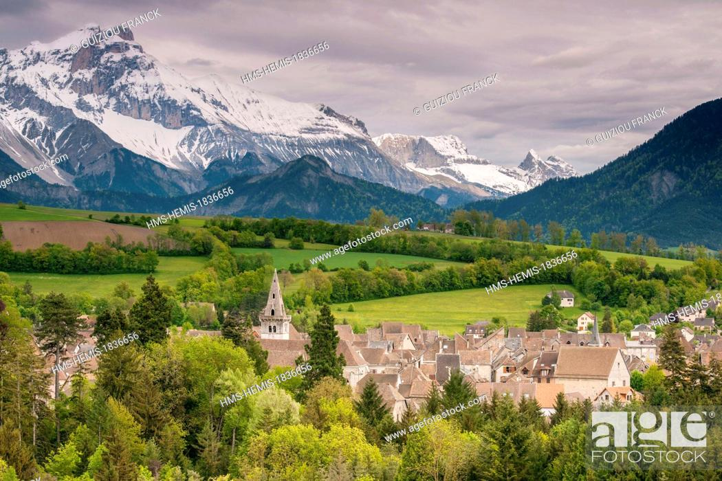 Stock Photo: France, Isere, Trieves region, the village of Mens, capital of Trieves region.