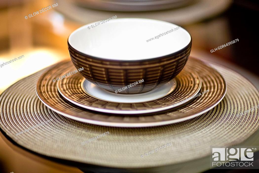 Photo de stock: Close-up of a bowl on a saucer.