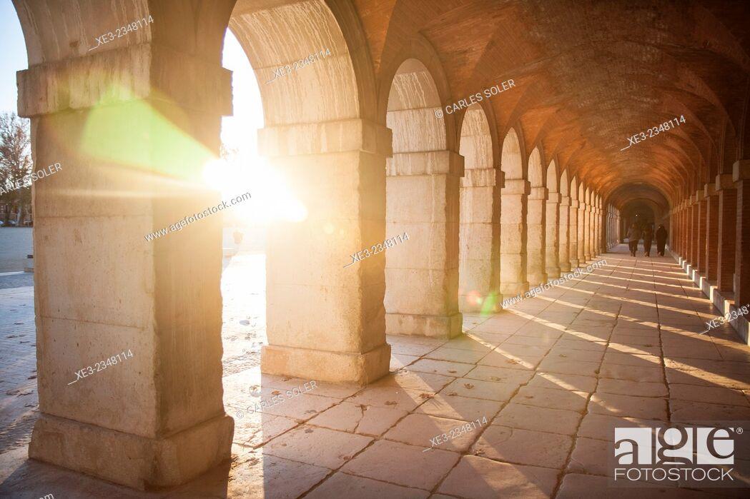 Stock Photo: Arcos al atardecer, Aranjuez.