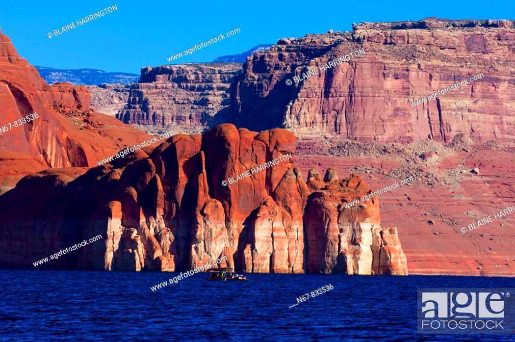 Stock Photo: Lake Powell, Glen Canyon National Recreation Area, Arizona/Utah border USA.