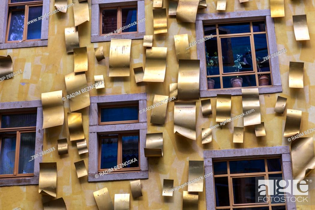 Imagen: Kunsthofpassage courtyards in Dresden Neustadt, Germany, Europe.
