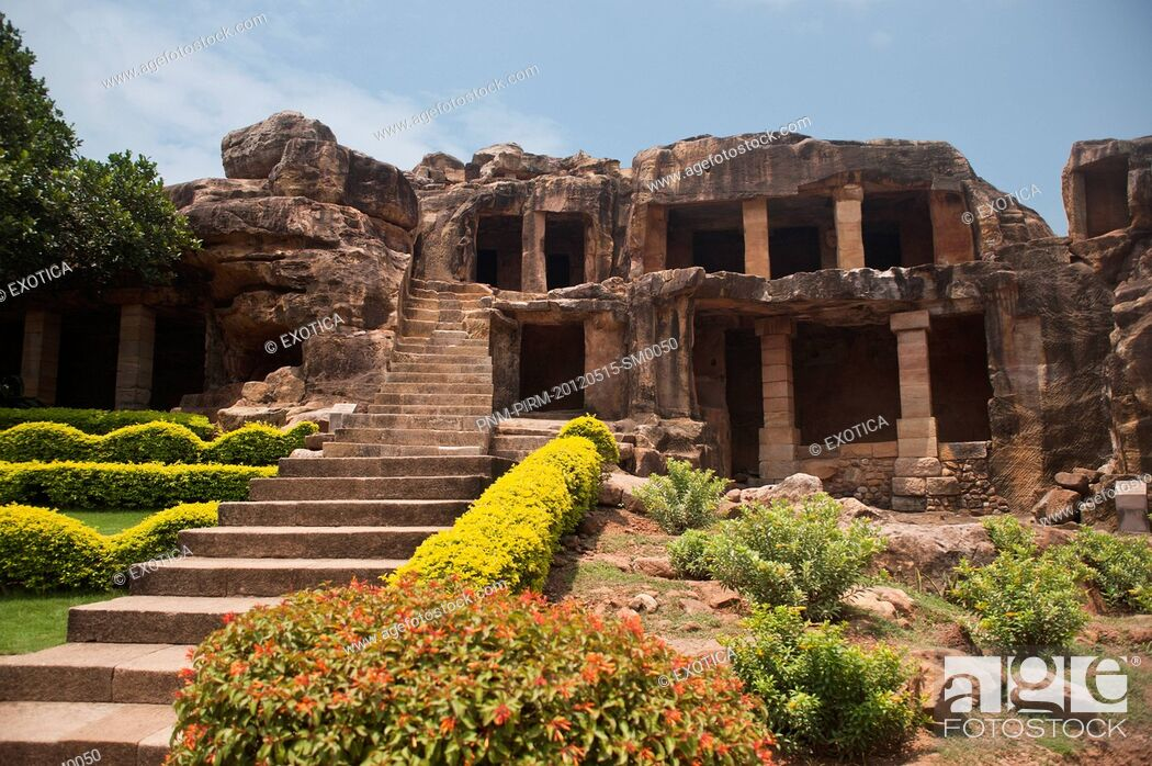 Stock Photo: Ruins of buildings at an archaeological site, Udayagiri and Khandagiri Caves, Bhubaneswar, Orissa, India.