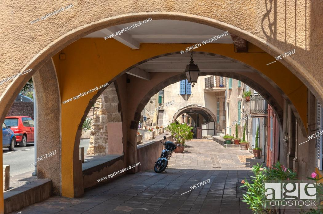 Stock Photo: Arcades in the historic old town, Roquebrune-sur-Argens, Var, Provence-Alpes-Cote d`Azur, France, Europe.