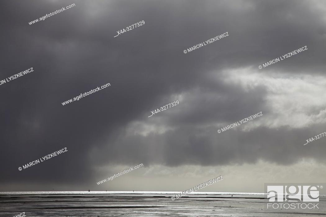 Stock Photo: storm is comming, Wadden See, Netherlands.