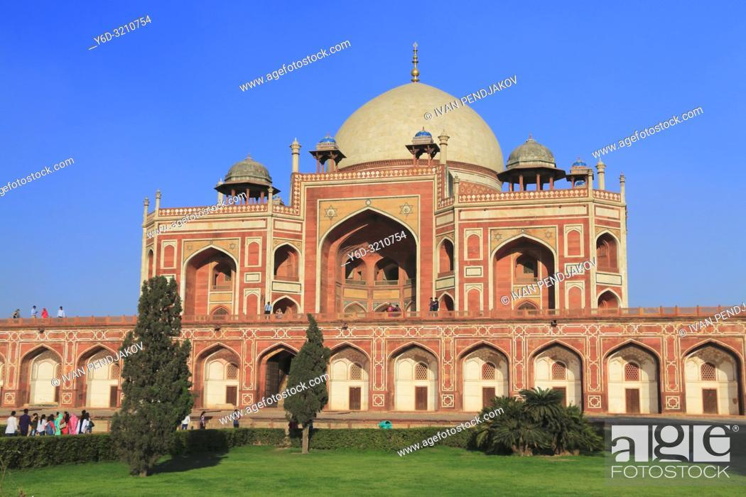 Stock Photo: Humayun Tomb, New Delhi, India.