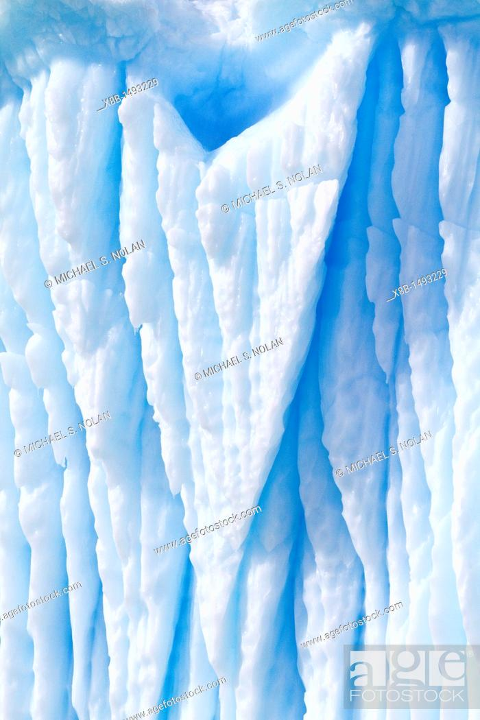 Imagen: Iceberg detail in and around the Antarctic Peninsula during the summer months, Southern Ocean  MORE INFO An increasing number of icebergs are being created as.