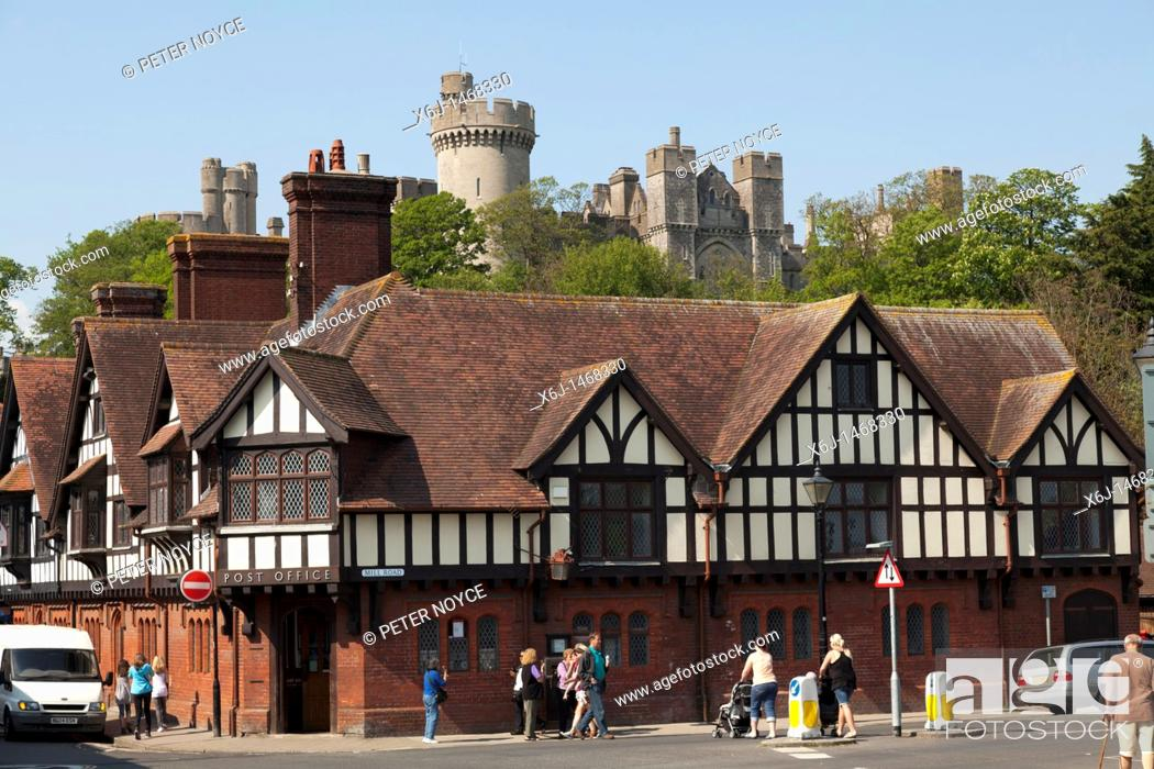 Stock Photo: Arundel old post office with beams in front of the castle.