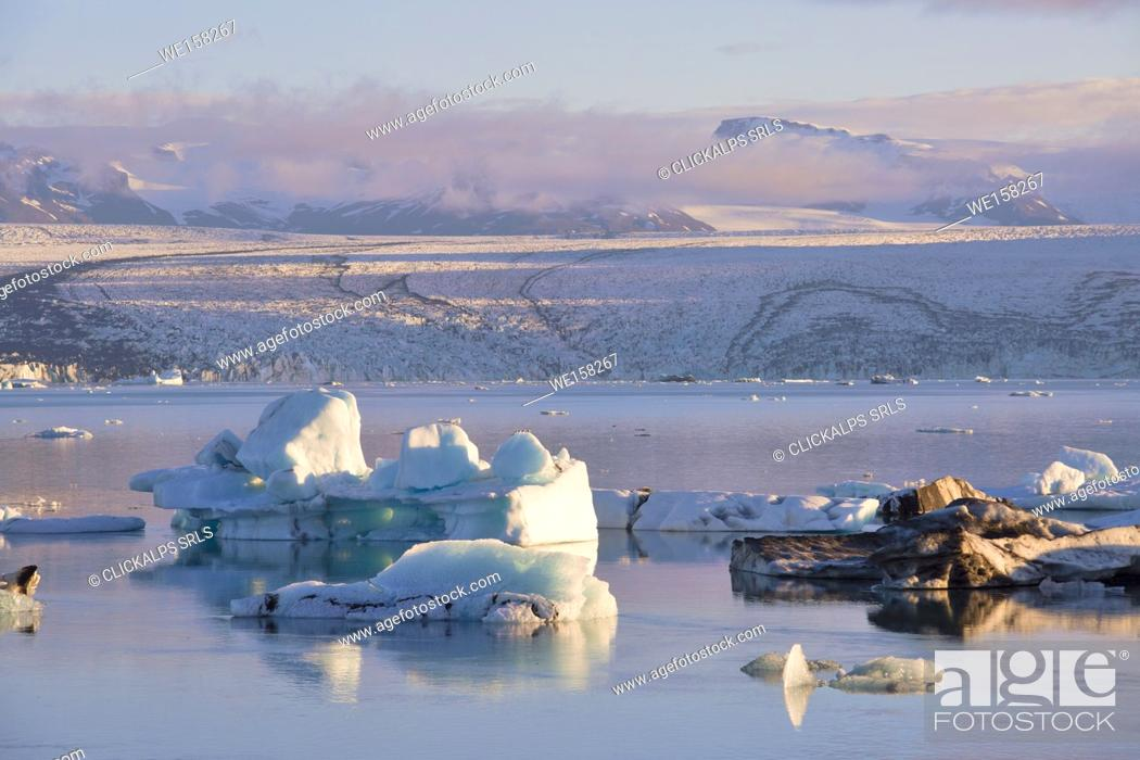 Stock Photo: Icebergs in Jokulsarlon Glacier Lagoon during a sunrise, Austurland, Eastern Iceland, Iceland.