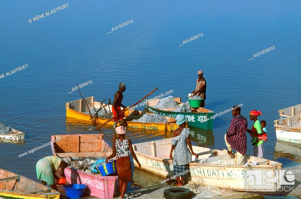 Stock Photo: Senegal - La Presqu'ile du Cap-Vert - Lac Retba - Lake Rose - recolte du sel.