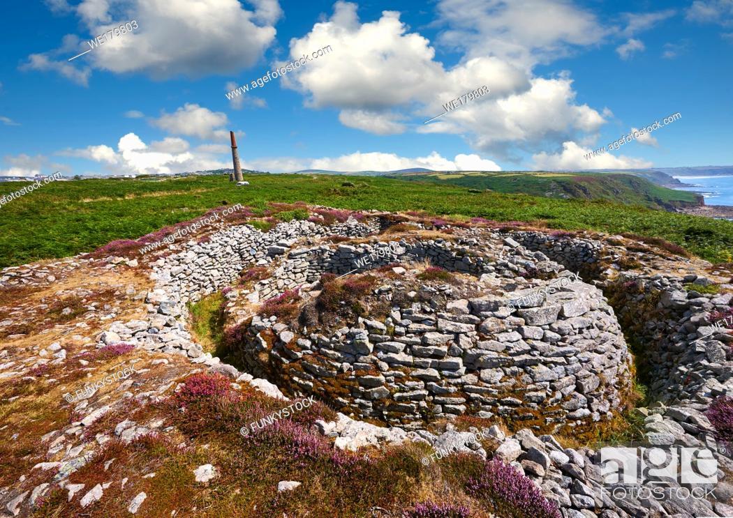 Stock Photo: Ballowall Barrow prehistoric chambered tomb, Carn Gluze, Ballowall Common, near St Just in Cornwall, England, .